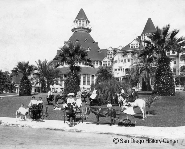 1888 – Hotel del Coronado opens its doors